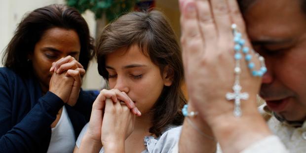 Đóng góp nghiên cứu vắc-xin, cầu nguyện và việc 'sùng kính 40 giờ'