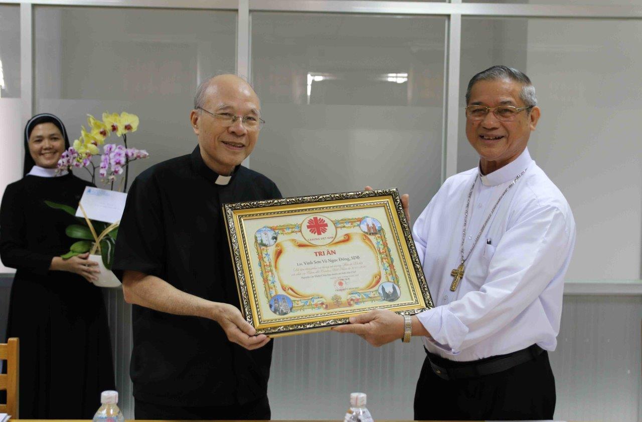 Bổ nhiệm cha Tân Giám đốc Caritas Việt Nam và tri ân cha nguyên giám đốc