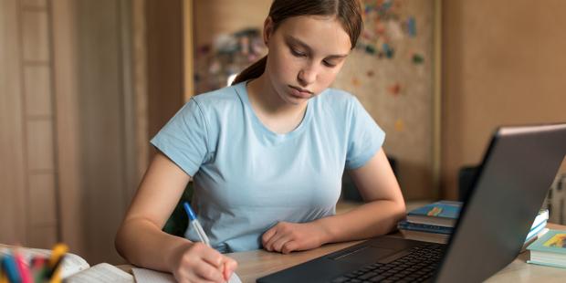 Giáo dục trực tuyến có thể làm bùng nổ sự phát triển trí tuệ