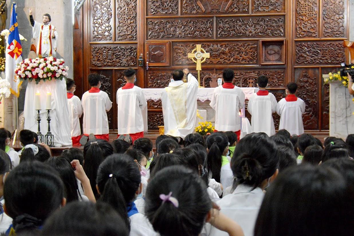 Giáo xứ Vĩnh Hòa: Mừng lễ Thánh Phanxicô Xaviê ngày 3-12-2020