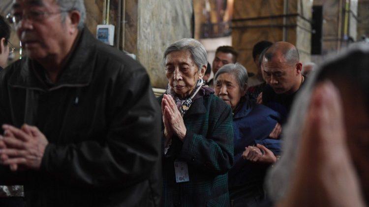 Trung Quốc buộc các linh mục giảng về yêu nước để được mở lại nhà thờ