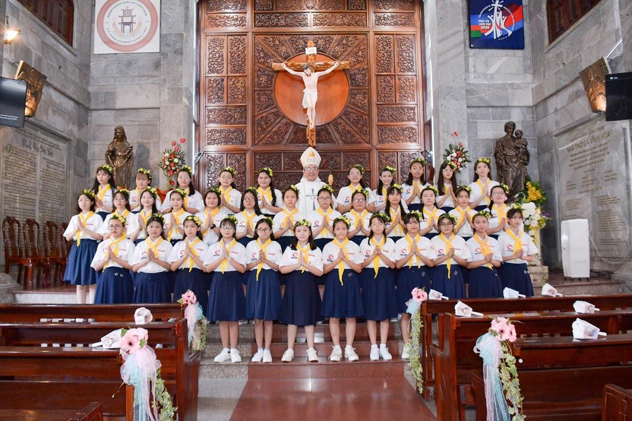 Giáo xứ Vĩnh Hòa: Hồng ân Chúa Thánh Thần ngày 4-10-2020