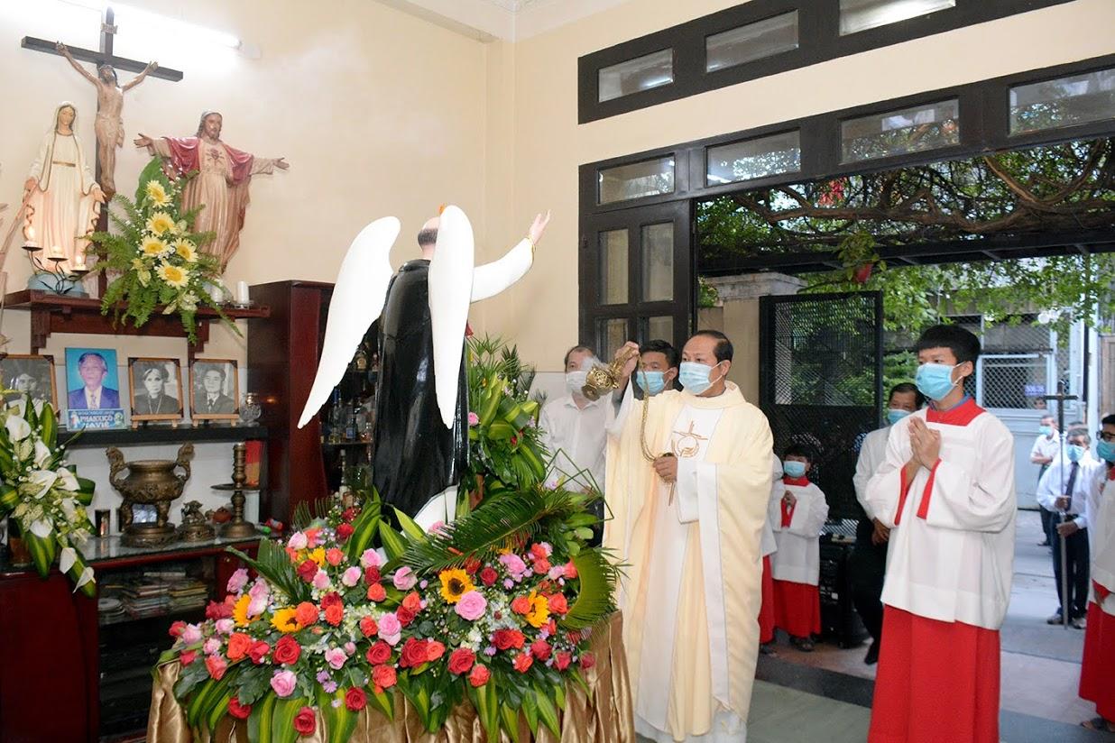 Giáo xứ Vĩnh Hòa: Mừng bổn mạng Giáo họ Vinh Sơn ngày 5-5-2021