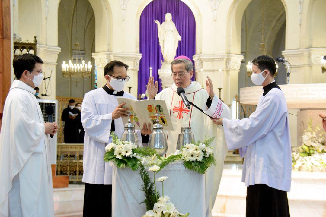 Tổng Giáo phận Sài Gòn: Thánh lễ Truyền Dầu năm 2020