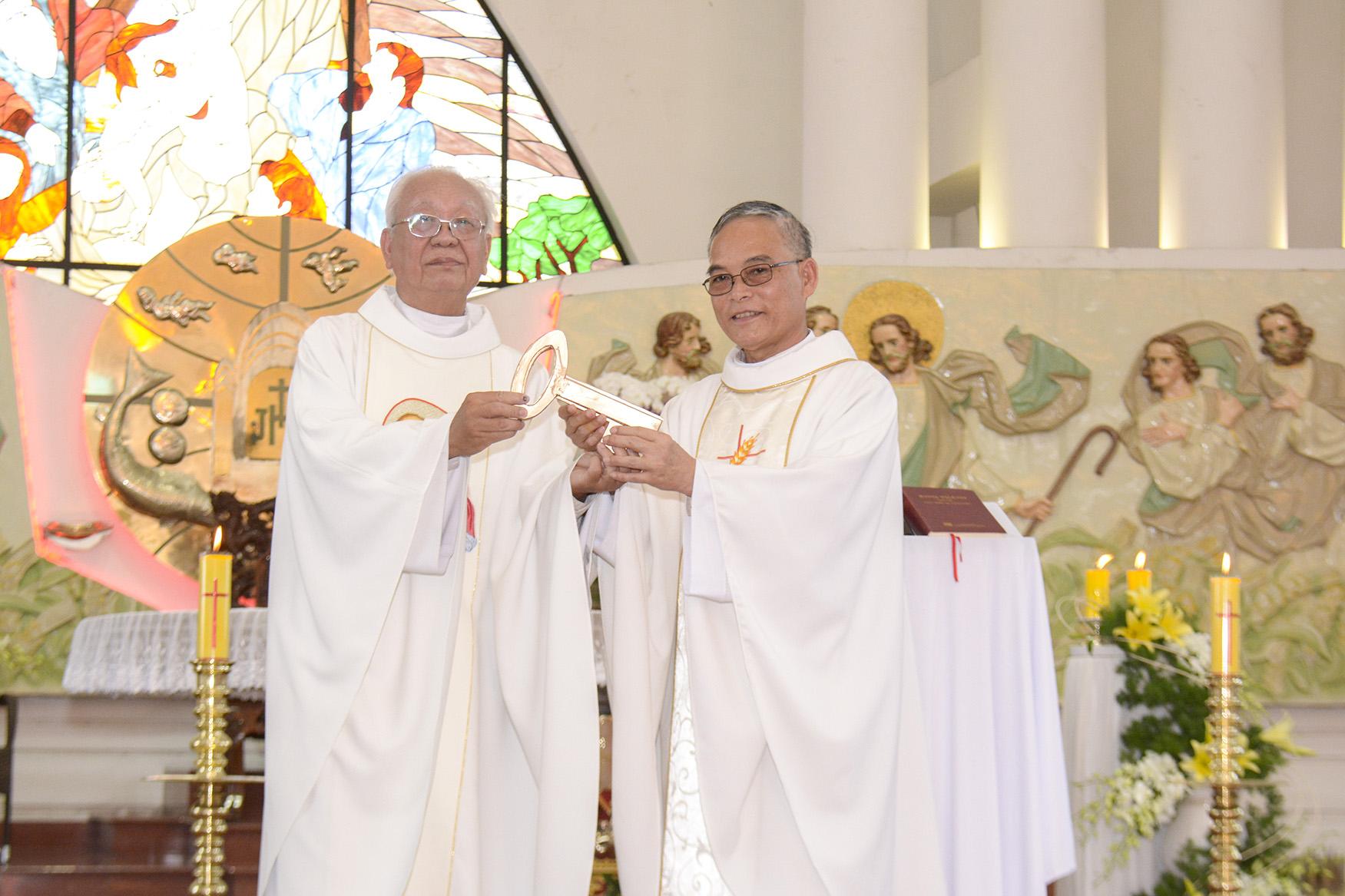Thánh lễ Tạ ơn và Nhậm chức Chánh xứ, Phó xứ Tân Phước ngày 08.09.2020