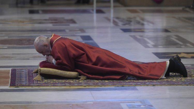 ĐTC Phanxicô cử hành nghi lễ tưởng niệm Thương Khó của Chúa Giêsu