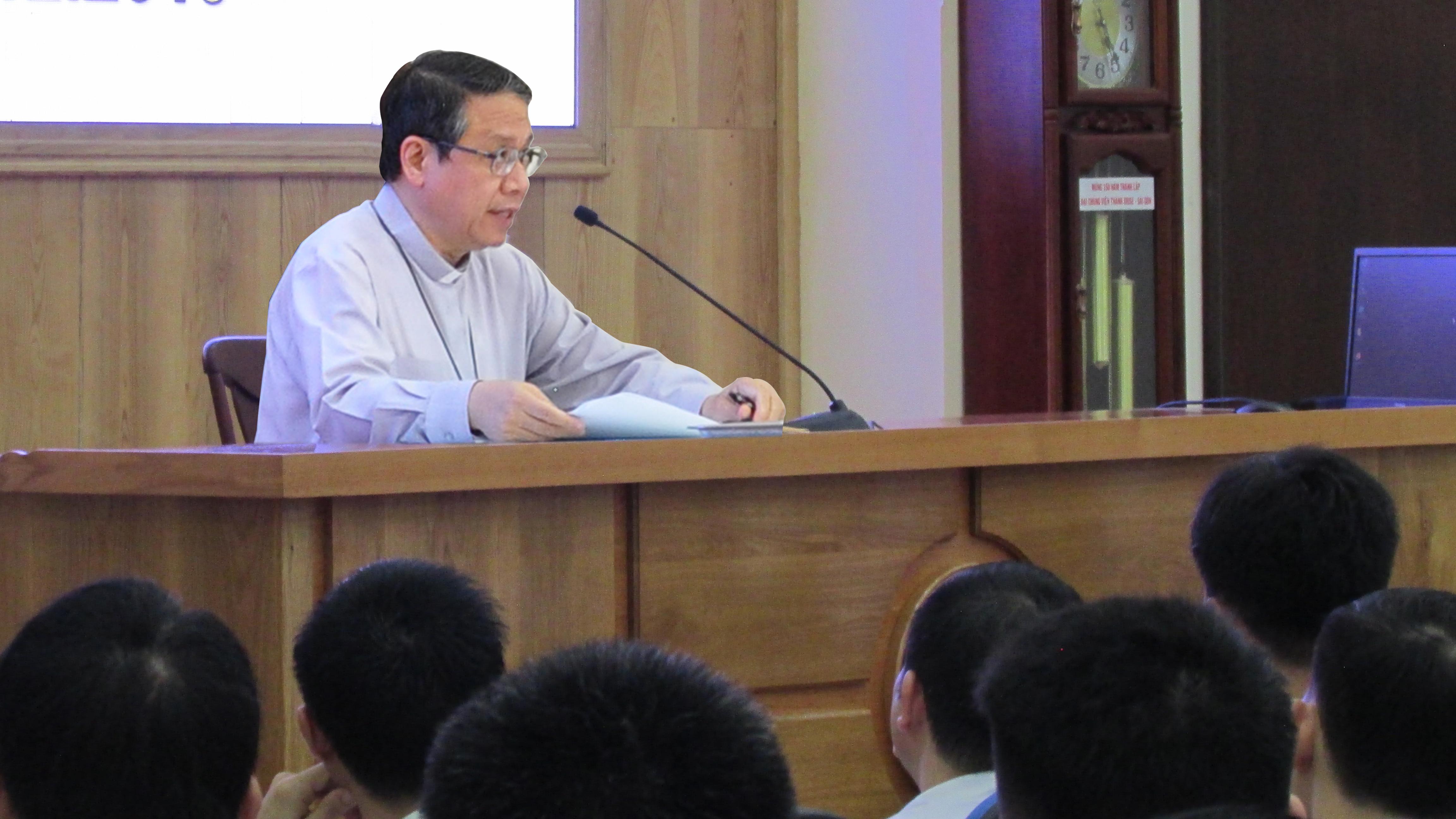 Đại chủng viện Thánh Giuse Sài Gòn: Đức Giám mục Giuse Đỗ Mạnh Hùng - Giám mục Giáo phận Phan Thiết - viếng thăm và huấn đức