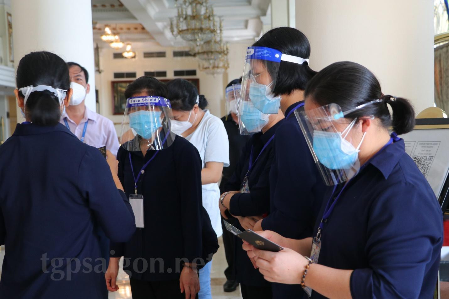 Buổi tiếp nhận 8 nữ tu Tu Hội Nữ tử Bác Ái phục vụ bệnh nhân Covid