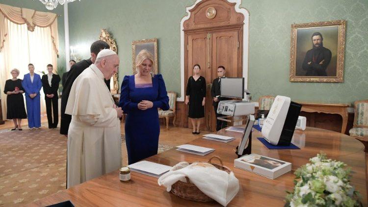 ĐTC Phanxicô thăm hữu nghị tổng thống Slovakia