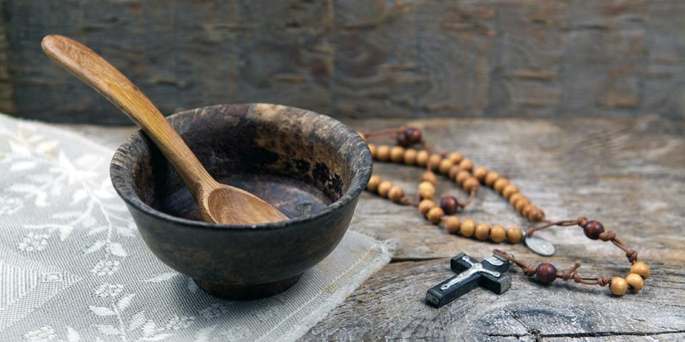 Việc ăn chay có khó đối với bạn không? Hãy nhìn Chúa Giêsu trên thánh giá