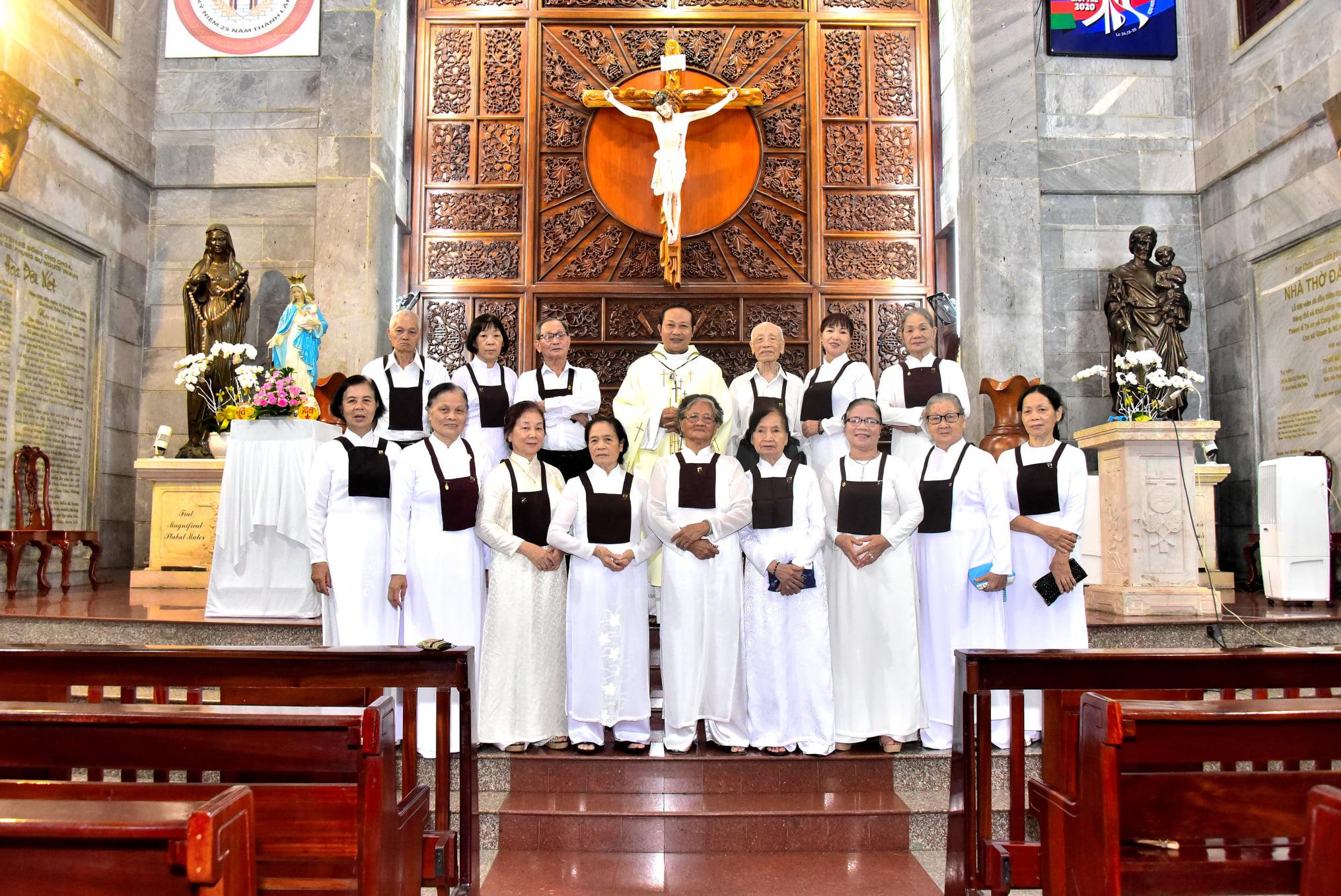 Giáo xứ Vĩnh Hòa: Dòng Ba Cát Minh mừng bổn mạng ngày 16-7-2020