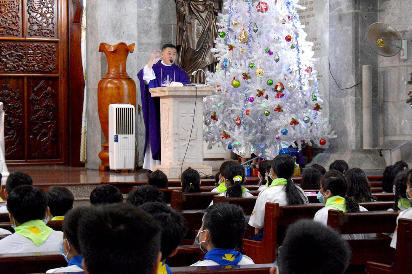 Giáo xứ Vĩnh Hòa: Tĩnh tâm Mùa Vọng ngày 16-12-2020