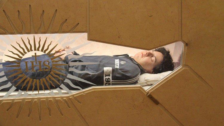 Hơn 41 ngàn người đã viếng thi hài tân chân phước Carlo Acutis