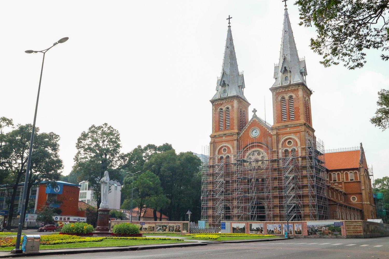 Trùng tu nhà thờ Đức Bà Sài Gòn: Thông tin về nhóm lừa đảo