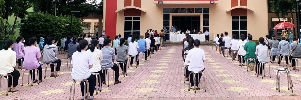 Buổi lễ gặp gỡ các tình nguyện viên tôn giáo hoàn thành một tháng phục vụ bệnh nhân Covid