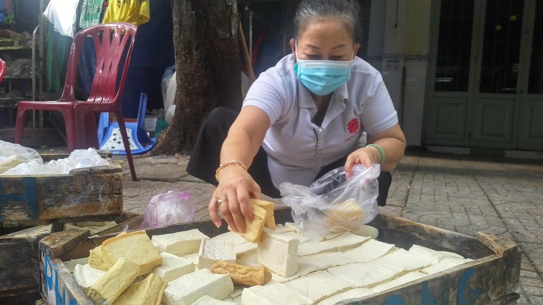 Giáo xứ Phú Hòa lan tỏa yêu thương: Hãy cho họ ăn