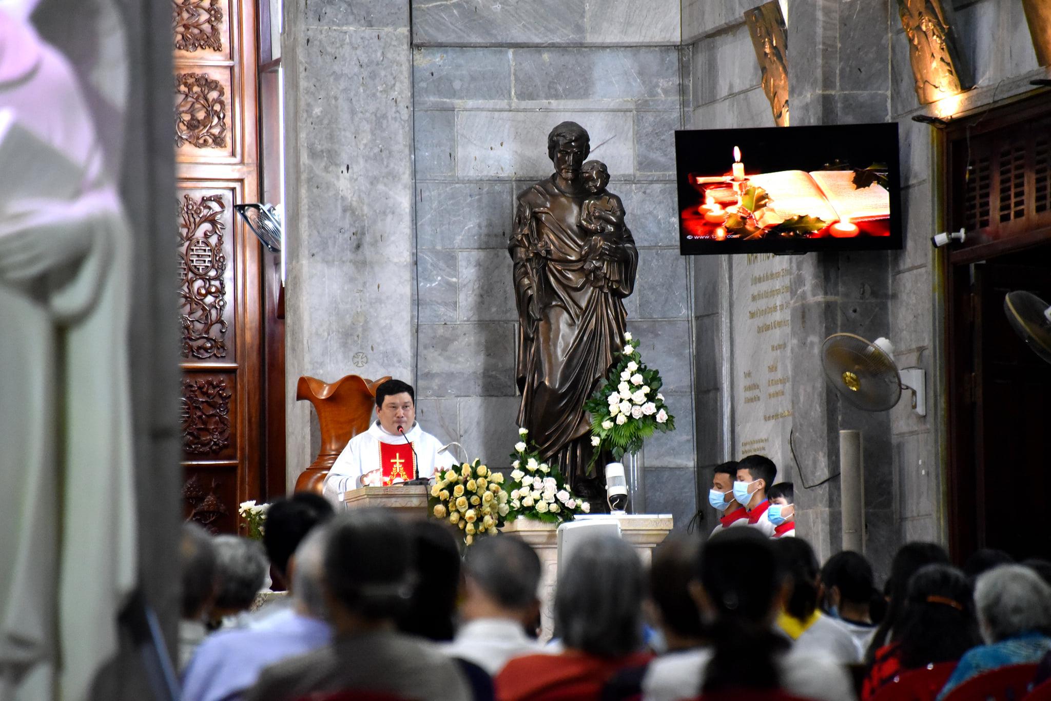 Giáo xứ Vĩnh Hòa: Bổn mạng ca đoàn Truyền Tin ngày 25-3-2021