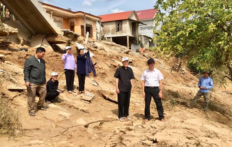 Caritas Tgp Sài Gòn: Hành trình thương về miền Trung (ngày thứ hai) - Thăm gx Minh Cầm, Tân Hội, Thanh Thủy, Yên Giang