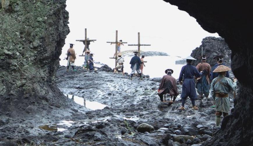 Việc đình chỉ Thánh lễ thời covid-19 và việc chối Chúa trong bộ phim 'Im Lặng'